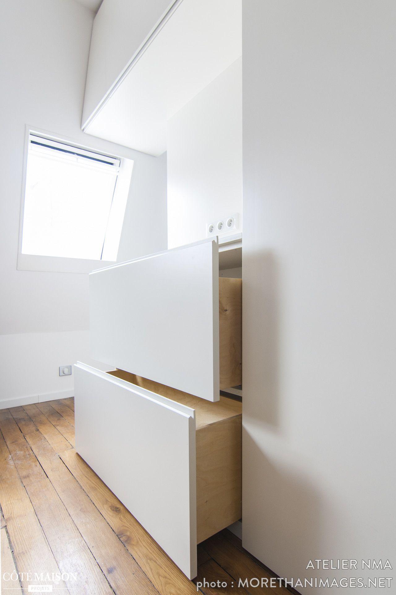 Cette Ancienne Chambre De Bonne Parisienne Avait été Reliée Au R+5 Et  Transformée En Duplex. La Cliente Souhaitait Revenir à La Configuration  Initiale Afin ...