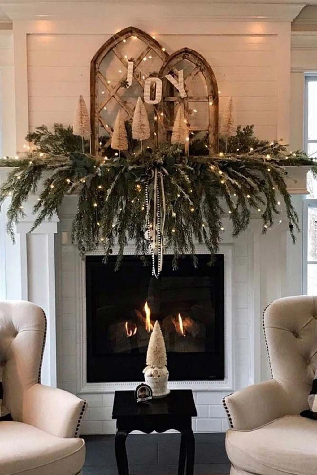 35 Popular Fireplace Mantel Decor Best For This Winter Most People Only Think About Fireplace Ma In 2020 Christmas Fireplace Decor Christmas Fireplace Christmas Home