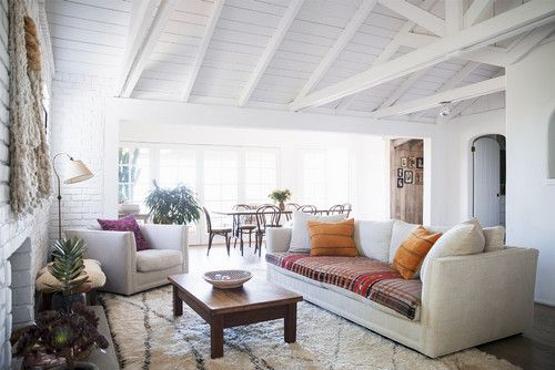 Ways to decorate with cozy textiles farmhouse interieur
