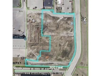 1820 27th Ave, Kenosha, WI 53140 — Prime mixed use development opportunity. B2 zoning allows for first floor Commercial and two additional floors of Residential for a total density potential of 24 residential units.  Contact City of Kenosha for confirmation.