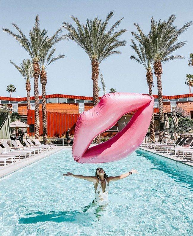 10 Coole Pool Floats Diese Luftmatratzen Brauchen Wir Unbedingt Coole Pools Luftmatratzen Pool