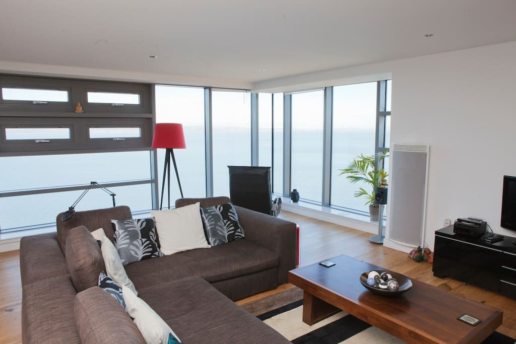 Waterfront Apartment Amazing Views - Flats for Rent in Edinburgh