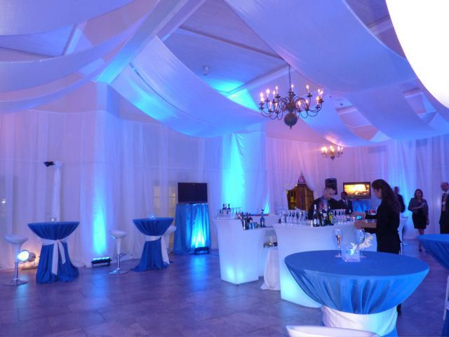 Wall Washers Are A Great Way To Add A Touch Of Color Bright Lights Avenueevent A Corporate Event Design Corporate Events Decoration Corporate Event Planner