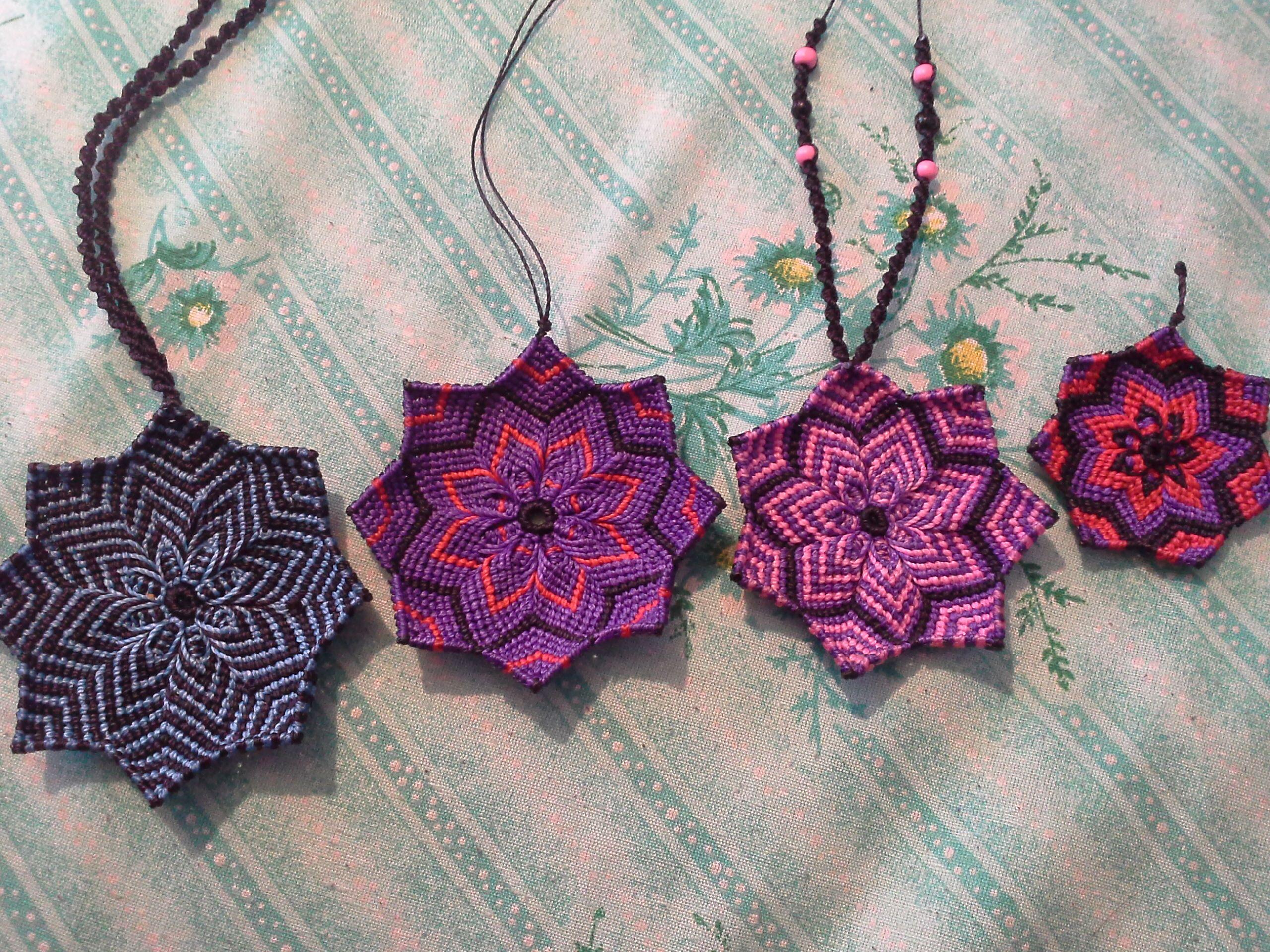 766b59d224ac Collares y llaveros de mandalas en macrame hechos cn hilo encerado  brasileño. Handmade by Duvhaliin