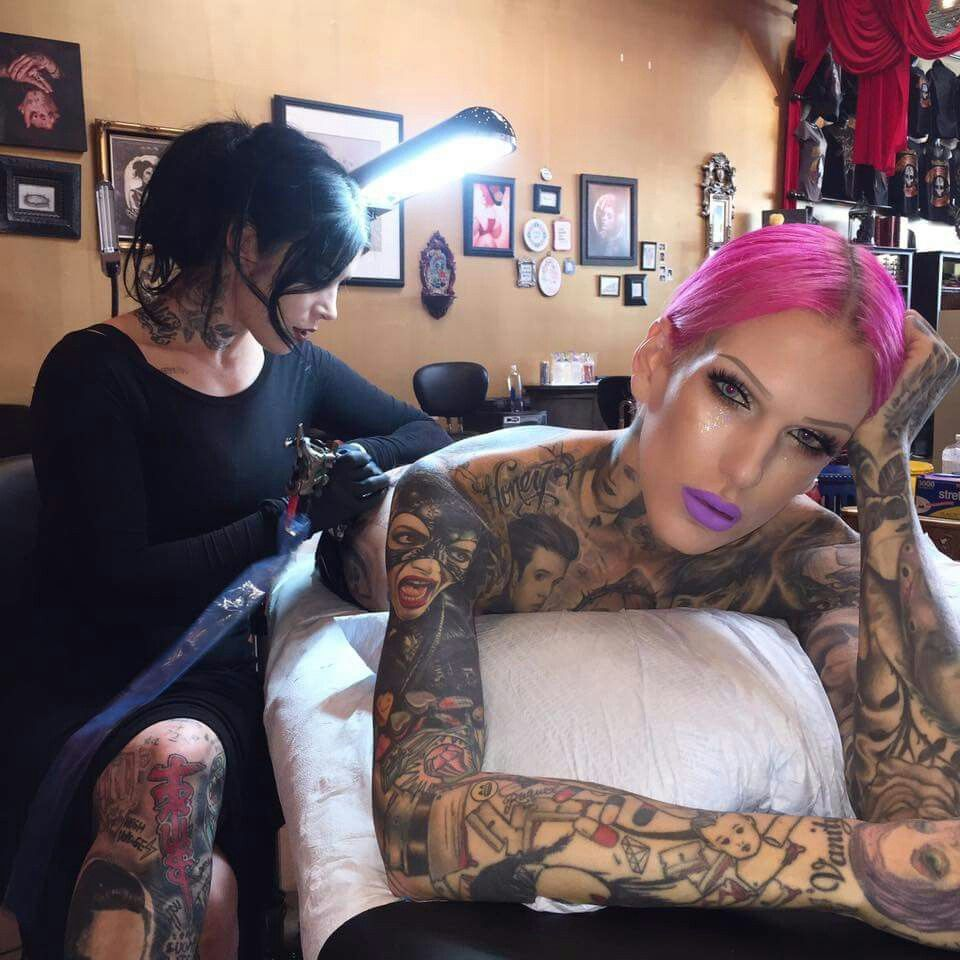 Kat Von D And Jeffree Star With Images Death By Glamour Kat