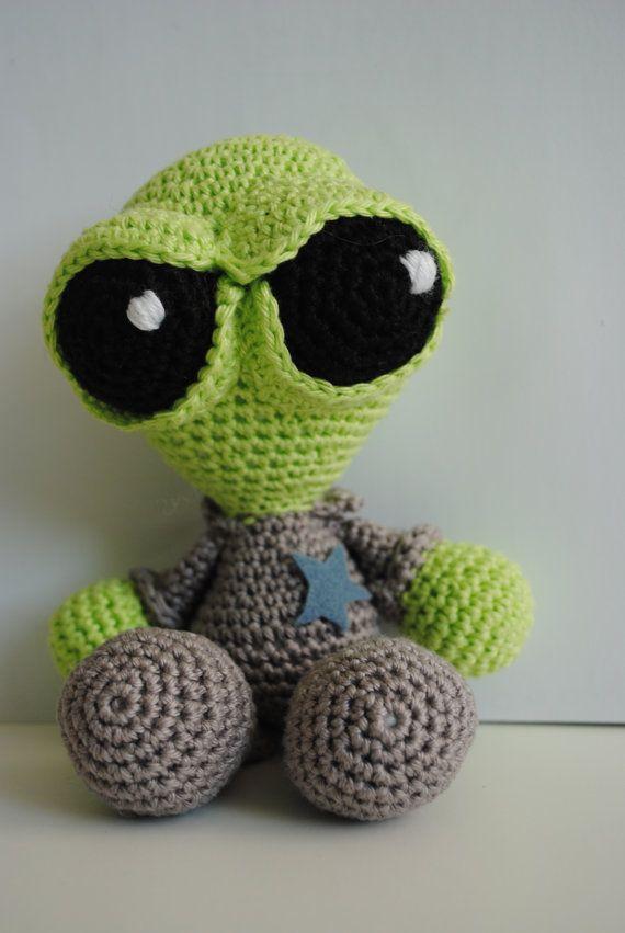 Free amigurumi alien pattern | Amigurumi pattern, Free crochet ... | 851x570