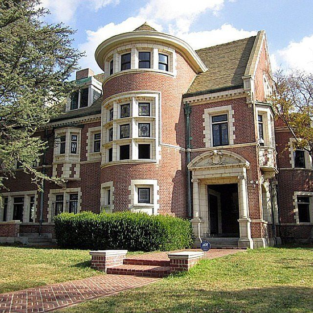 Haunted Places In Usa: The 18 Creepiest Haunted Houses In America