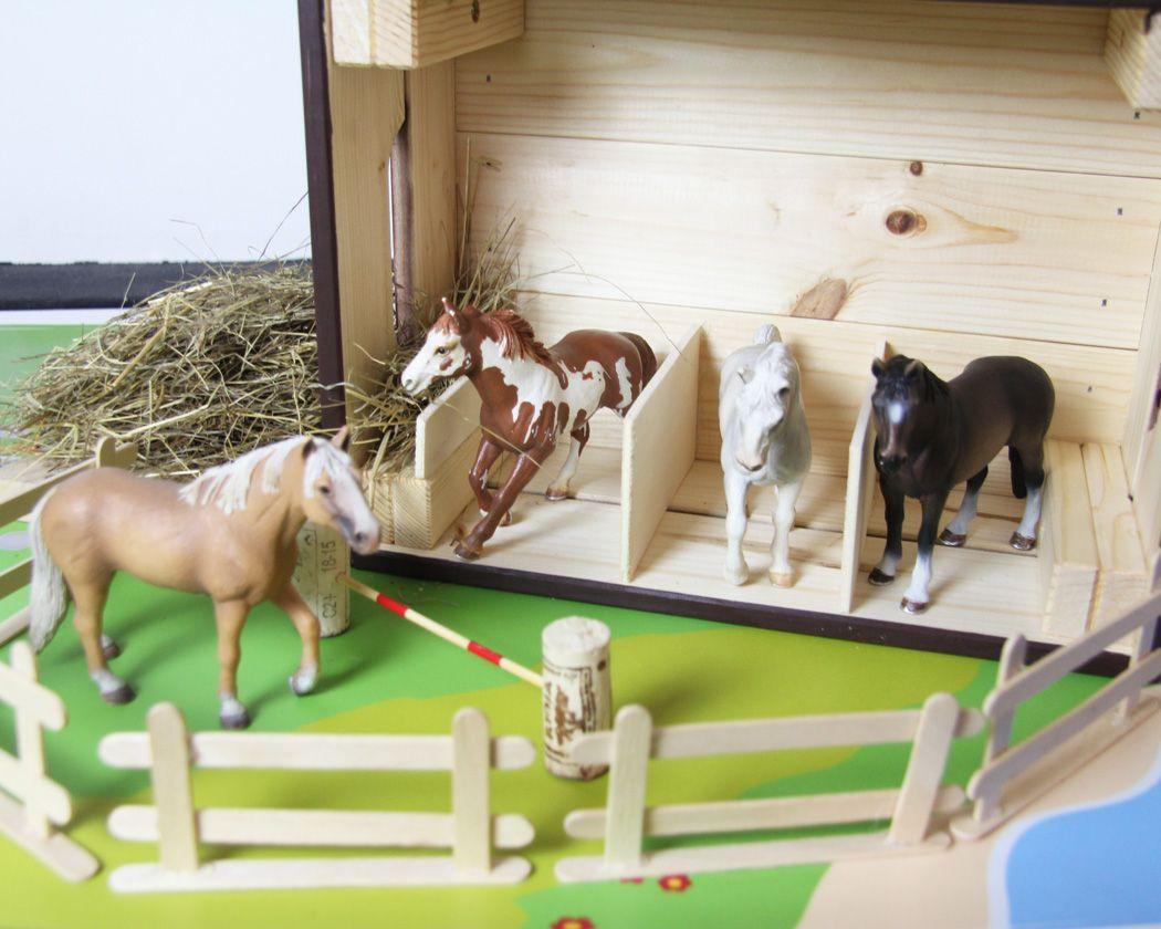 pferdestall selber bauen aus einer ikea holzbox pferdestall holzkiste und selber bauen. Black Bedroom Furniture Sets. Home Design Ideas