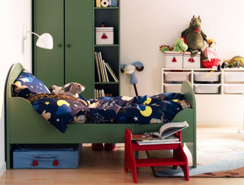 Kinderzimmer U. A. Mit Ausziehbarem TROGEN Kleiderschrank + TROGEN  Bettgestell In Grün, VANDRING UGGLA Bettwäsche  Nice Design