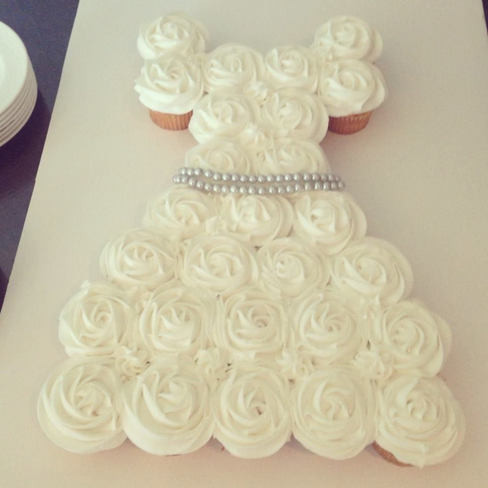Wedding Gown Display: Bridal Shower Cupcake Displays