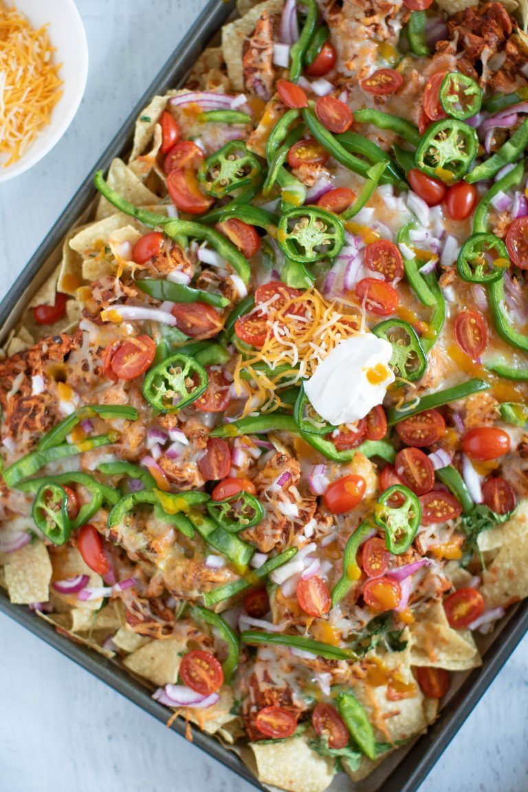 Sheet Pan Buffalo Chicken Nachos #buffalochickennachos
