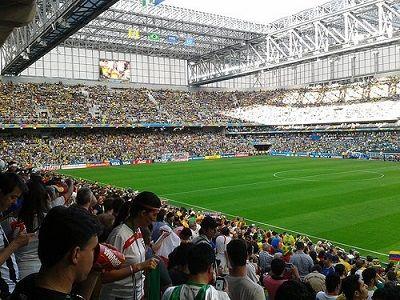 Vai aprovar? Venda de cerveja em estádios do Paraná