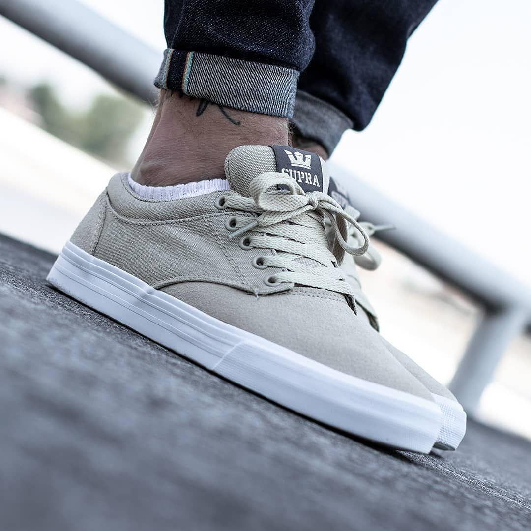 C'est quoi les tendances sneakers homme du moment