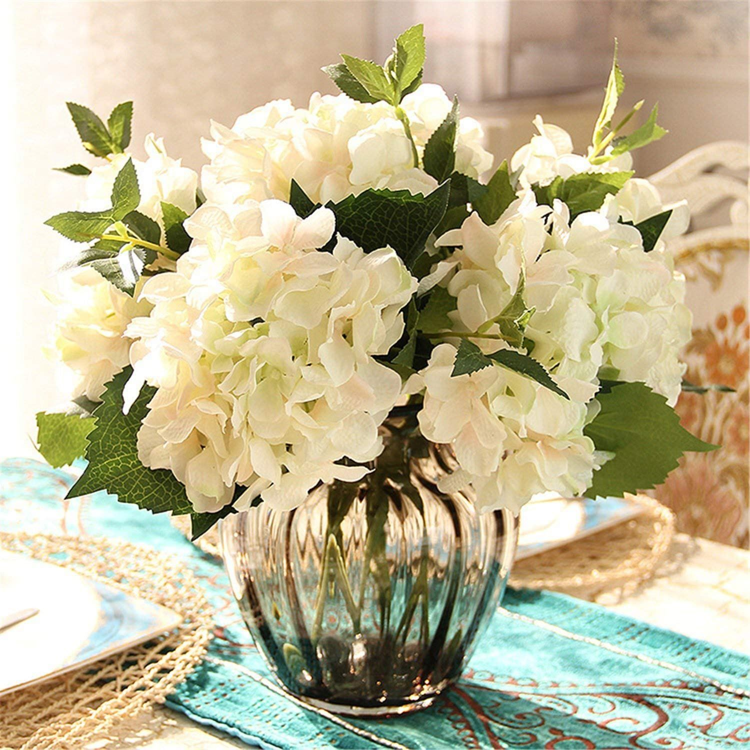 Country chic -- this is a sweet and soft arrangement of ... |Country Hydrangeas Vase