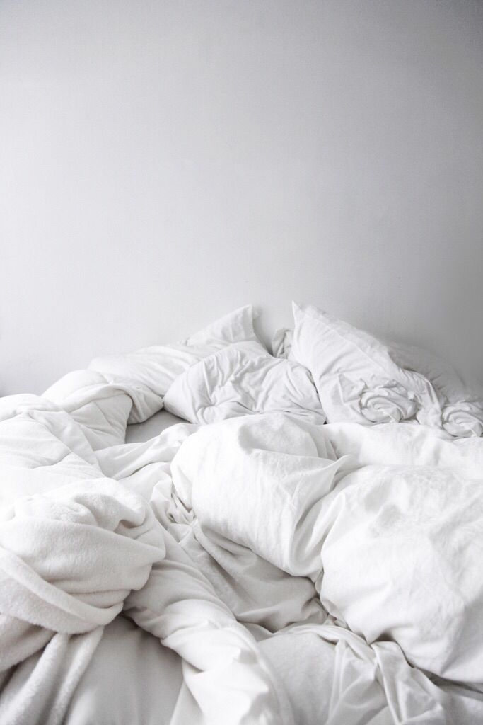 Crumpled Sheets From Tumblr Designerbedsheets Messy Bed Living Spaces Furniture White Bedding