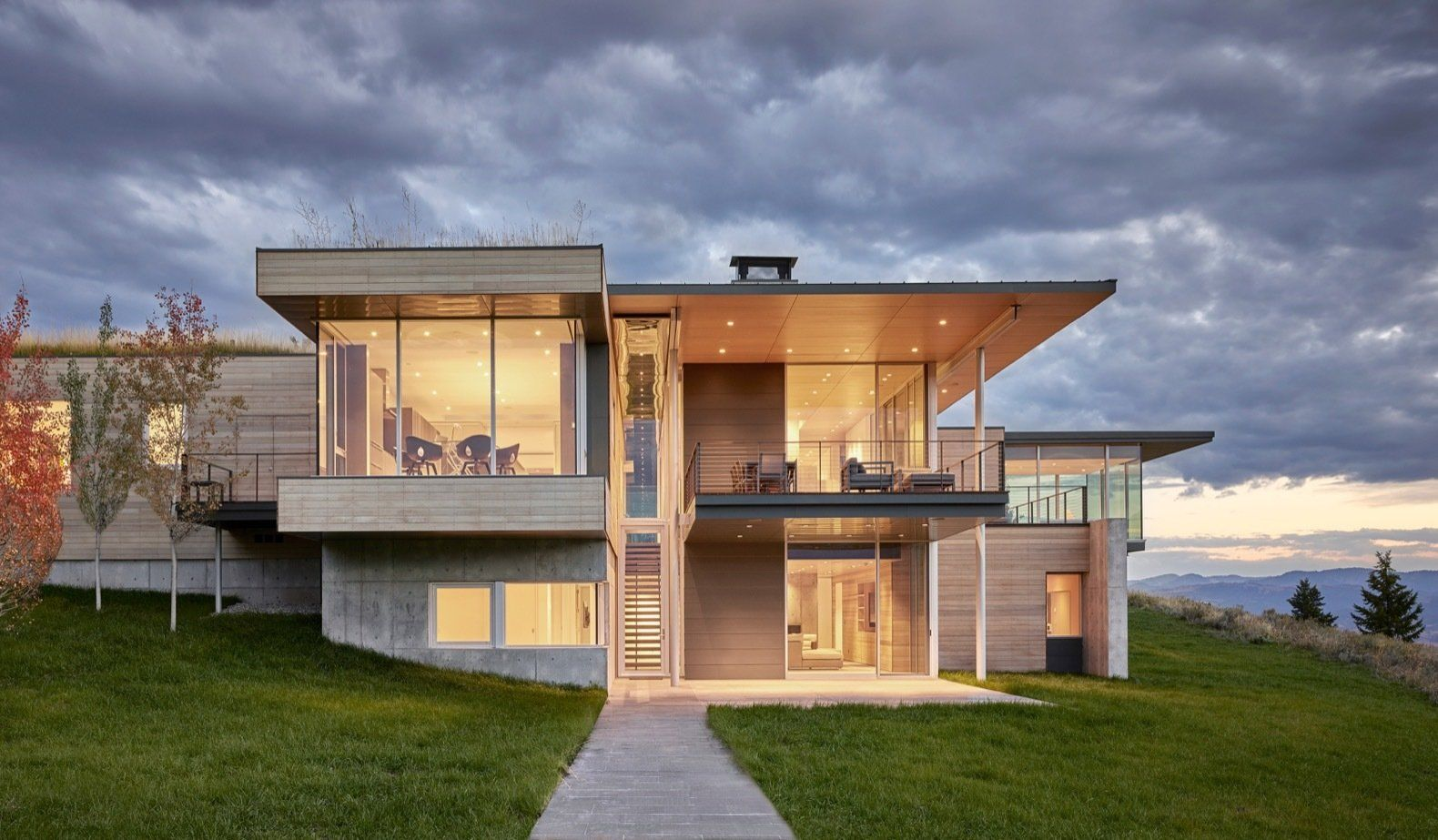 Photo 1 Of 17 In A Modern House Accentuates A Sensational Wyoming Shed Roof Design Modern House House Roof