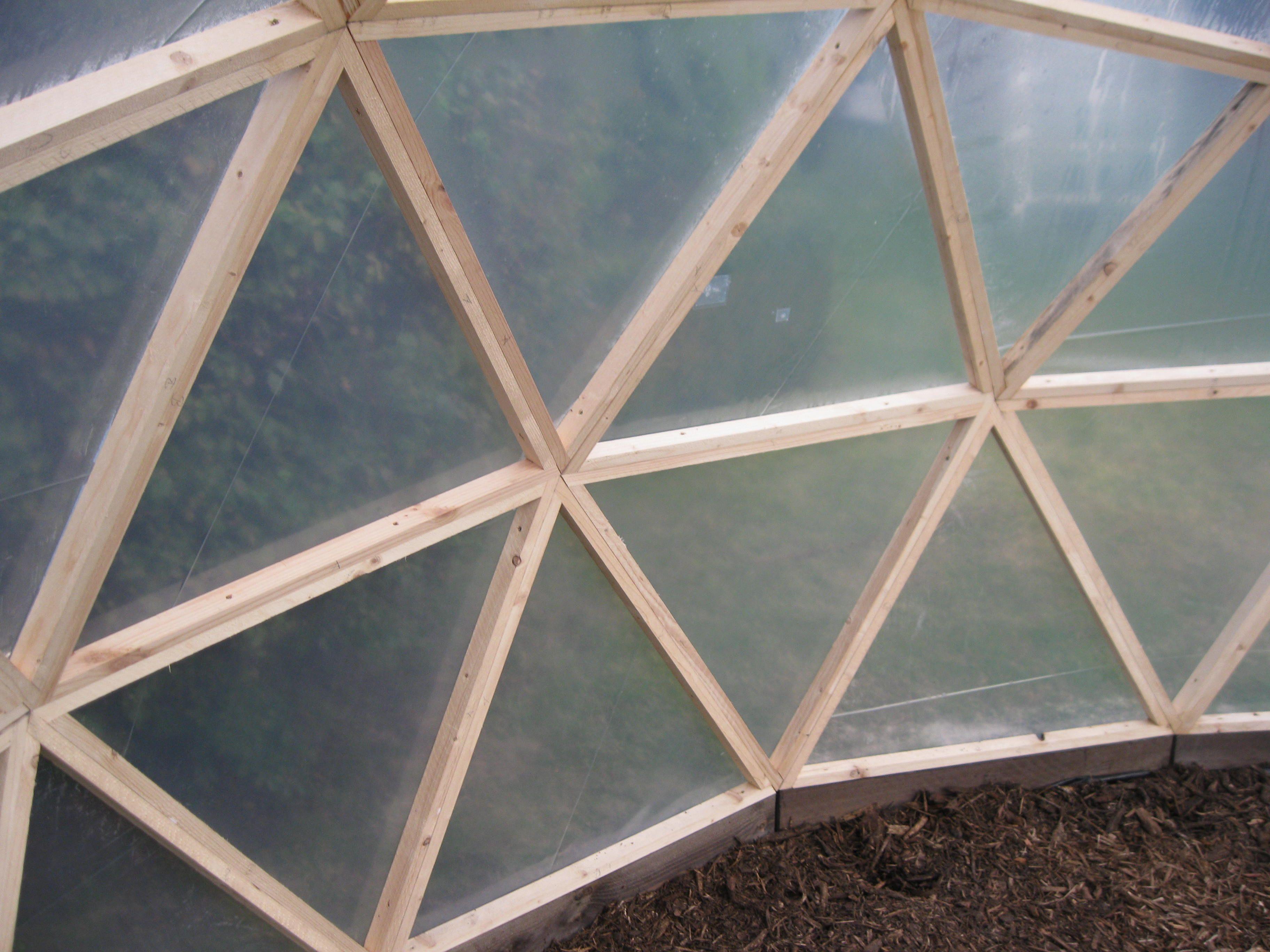 diy geo dome greenhouse ev pinterest geod tische kuppel und g rten. Black Bedroom Furniture Sets. Home Design Ideas