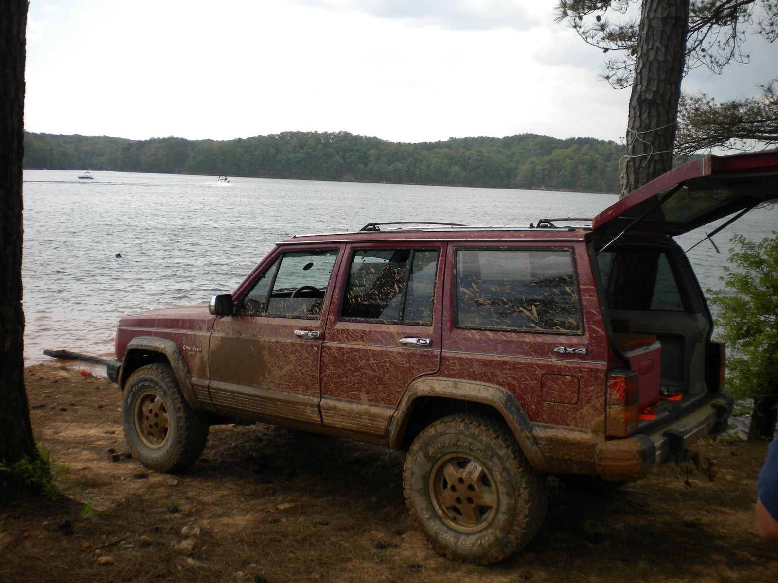 1989 Jeep Cherokee - I once saw one in traffic with a for sale note on its rear window and wow, the impulse was big to find out more.