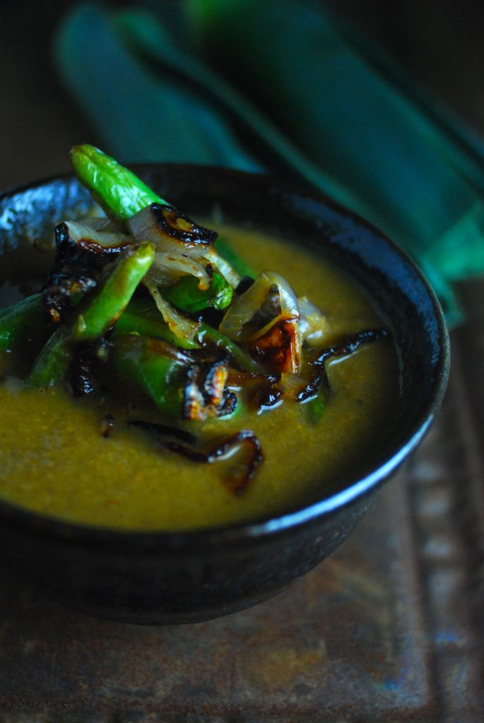 Obsessed with this vegan cream of shiitake soup with crispy green beans and shallots. The flavor is so intense you won't miss the dairy. Gluten-free, vegan, paleo.