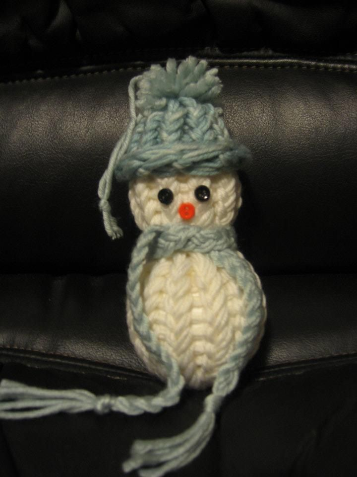 Loom Knit (10 peg) Snowman Ornament | things i want to learn to knit ...