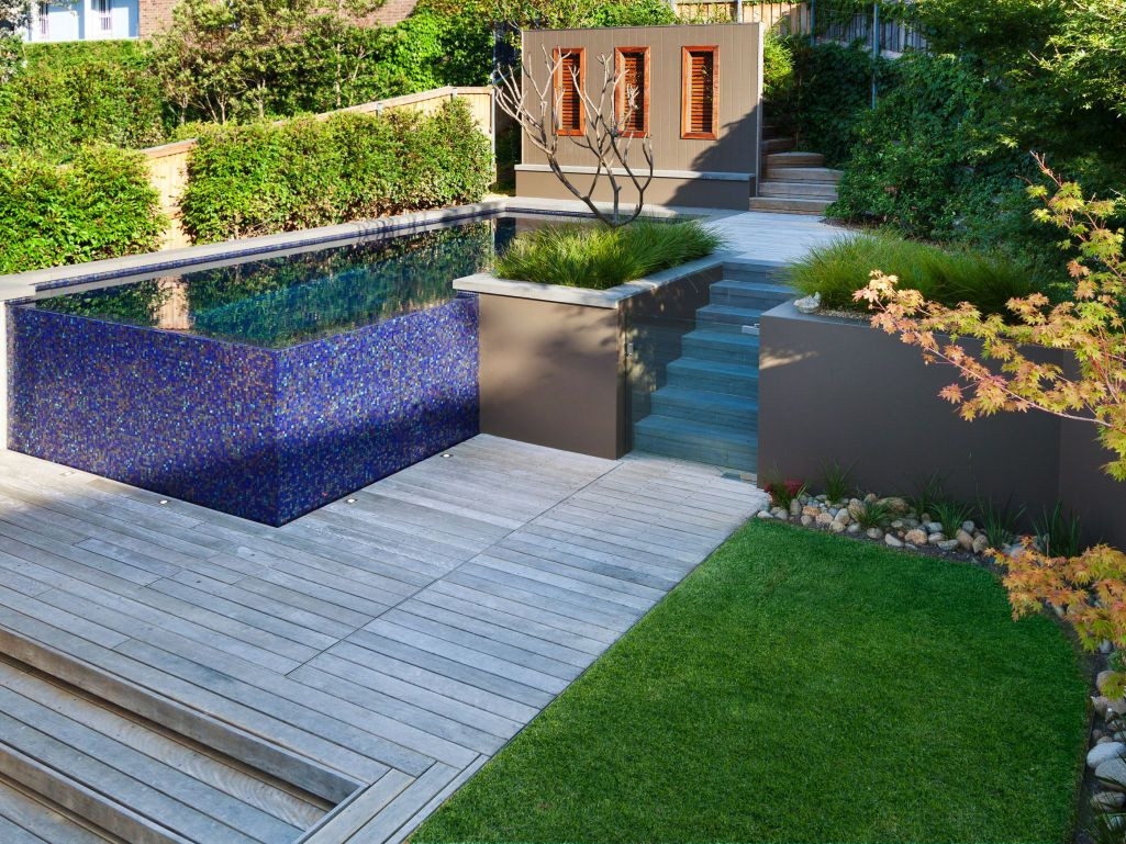 Eco Outdoor Bluestone coping units used on contemporary pool ...