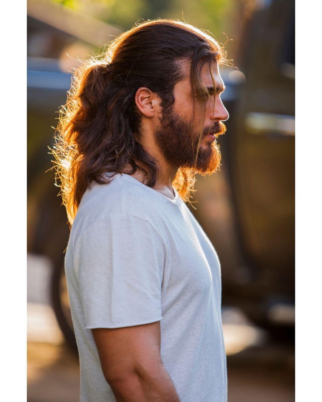تسريحات شعر طويل للرجال