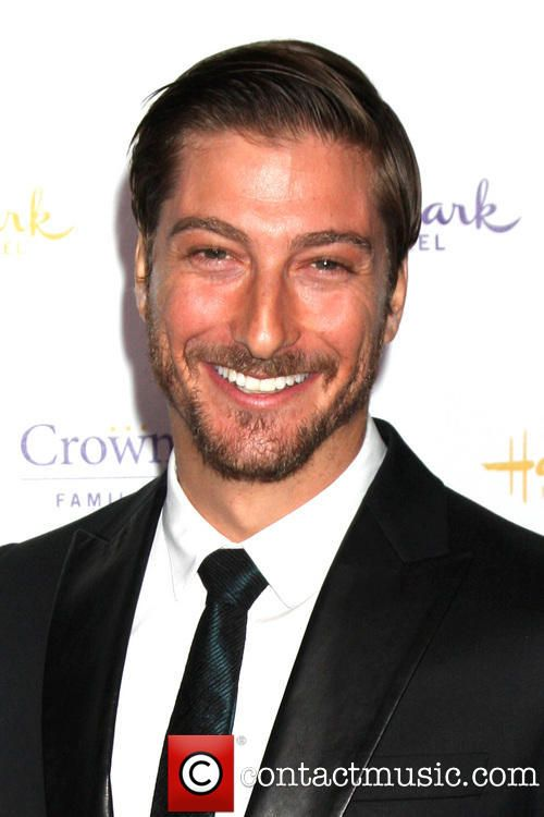 Xyy'nai Daniel Lissing - Actor (When Calls the Heart). Daniel Lissing Actor Daniel Lissing is an Australian actor best known for having played Conrad De Groot in Crownies. Also a popular singer/songwriter and performs to packed houses all over Sydney. Currently starring in the Hallmark TV series: When Calls the Heart (2014). WikipediaIMDb