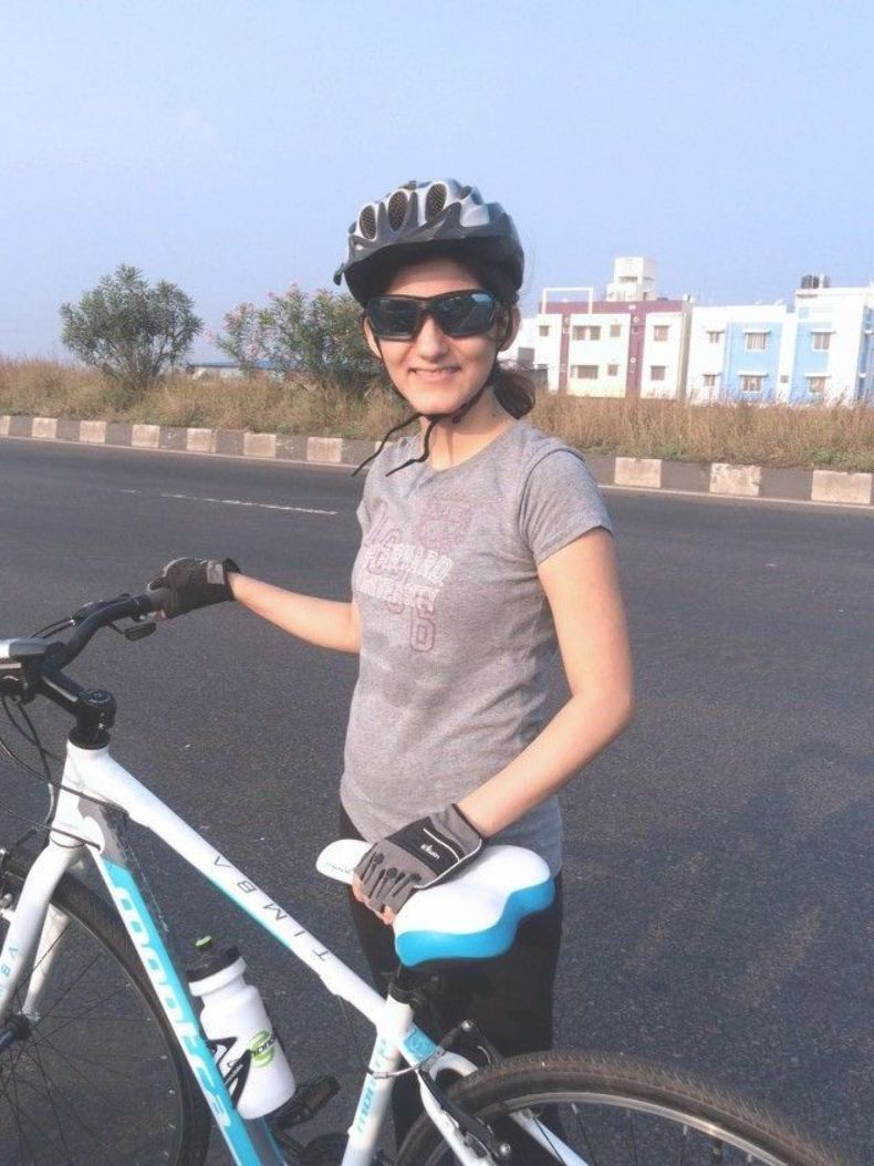 Long Distance Cycling for Beginners – Tips and Biking Gear Training for your first long distance bik...