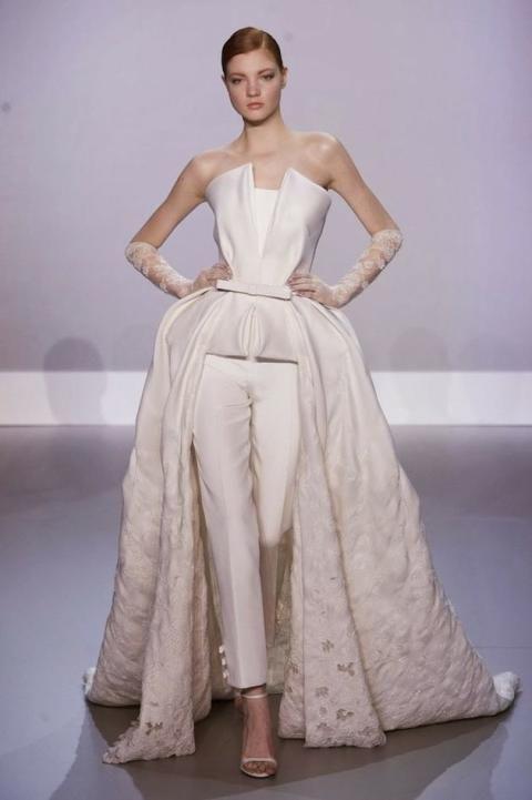 Bride in Pants   White Wedding Suit   Bridal Musings Wedding Blog 3