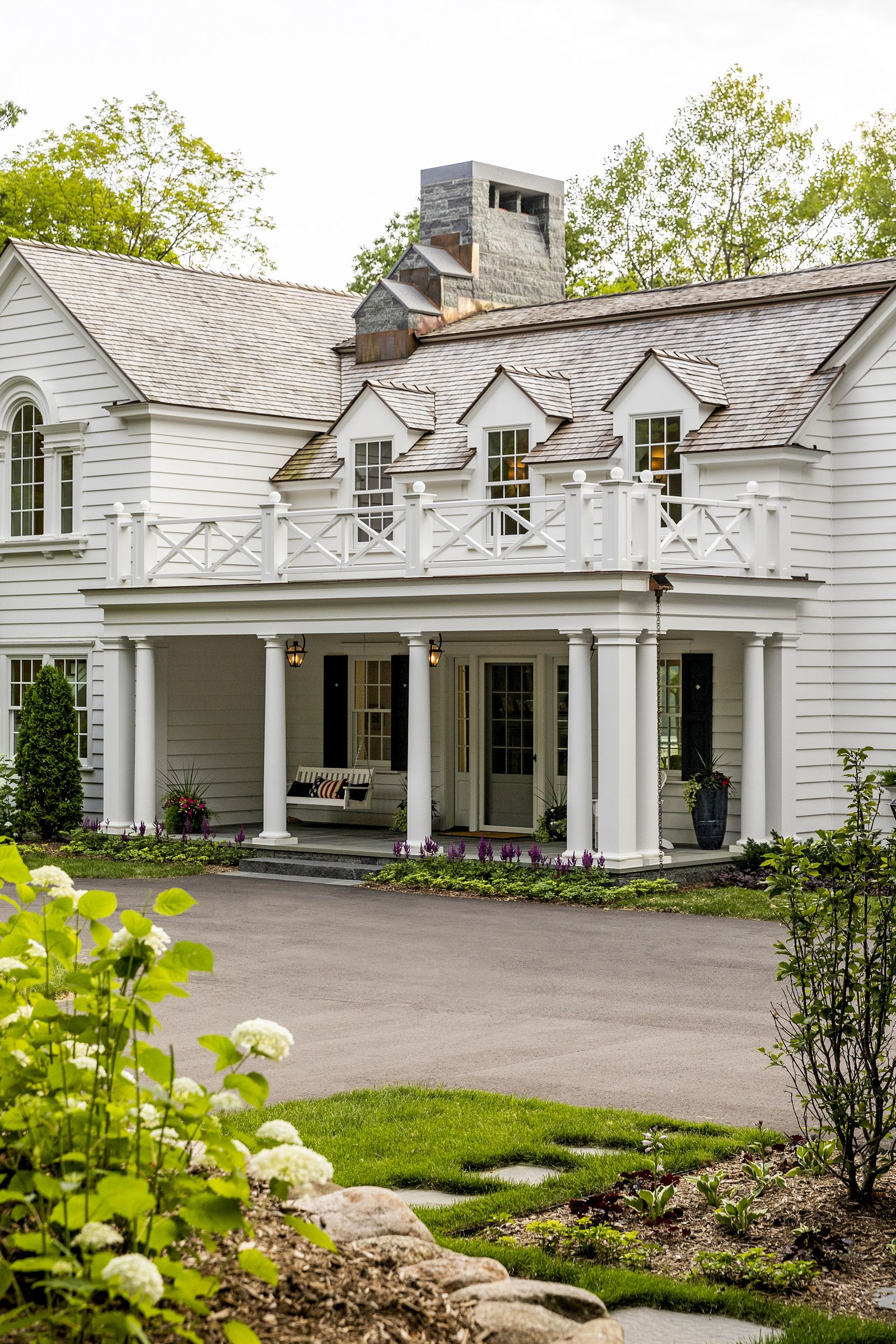From The Portfolio Of Murphy Co Design Colonial On The Bluff In 2020 Colonial House Exteriors Colonial Exterior Dream House Exterior