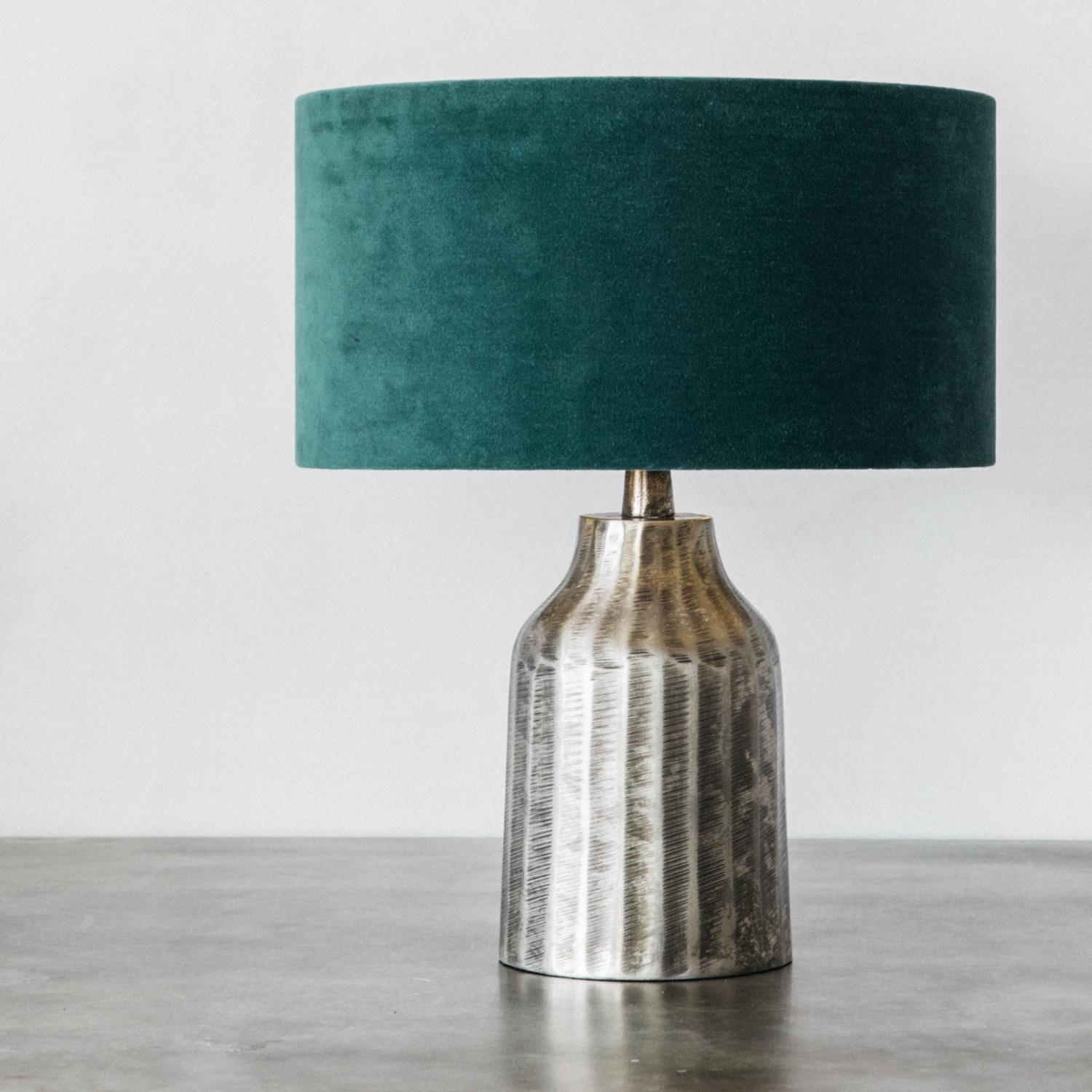 Embossed Ceramic Bedside Lamp with Shade Lamp, Black