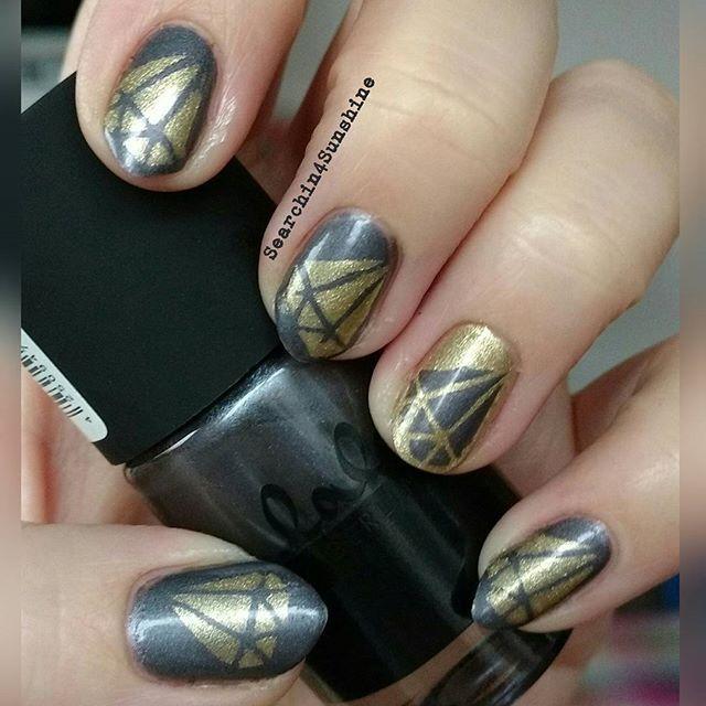 #diamanten beim #nailartdienstag mit #catrice #lala#shadeofgrey und #essie #gettinggroovy  #nailvinyls wie immer von #svenjasnailart  #catricecosmetics #catrice_cosmetics #essiedeutschland #diamonds #diamond #nailpolish #nagellack #naillacquer#instanails #nailswag #nailsdone #manicure #notd #nailporn #nailsoftheday #nails #nägel #instapic #nailsofinstagram #nailart #nailinspiration