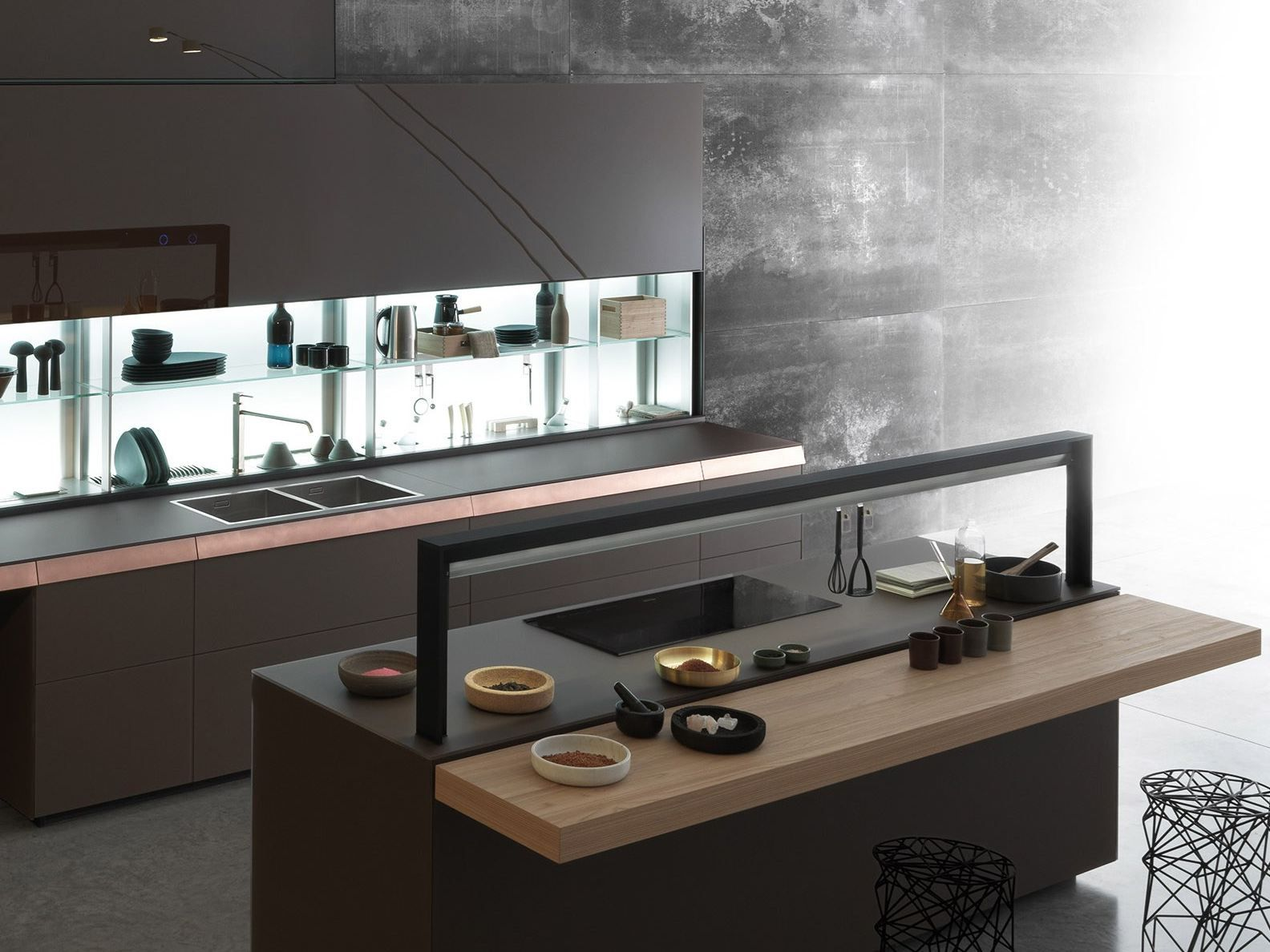 GENIUS LOCI Kitchen with island by VALCUCINE design Gabriele ...