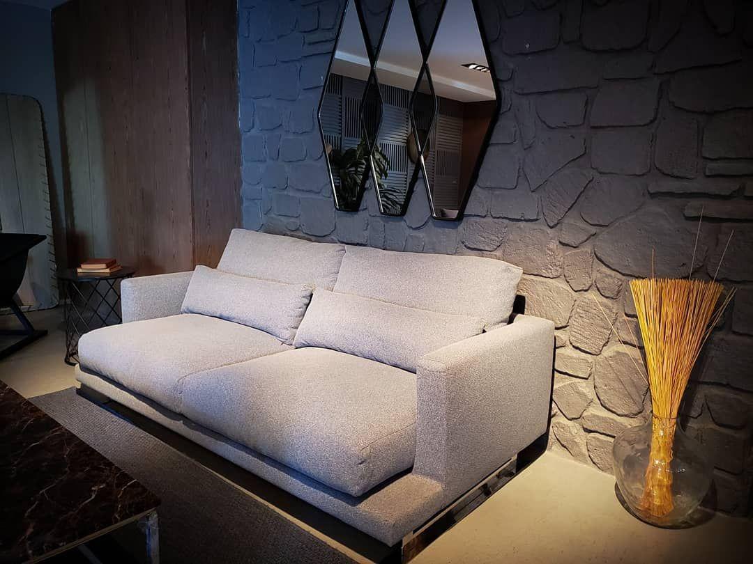 Ucuz Degildir Kalitesine Gore Fiyat Uygundur Fabrika Satis Magazasi Firsatlari Sizi Bekliyor Su Ana Kadar Bu Koltugun O In 2020 Furniture Home Decor Love Seat