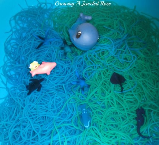 Pasta in the bath- Super fun sensory play