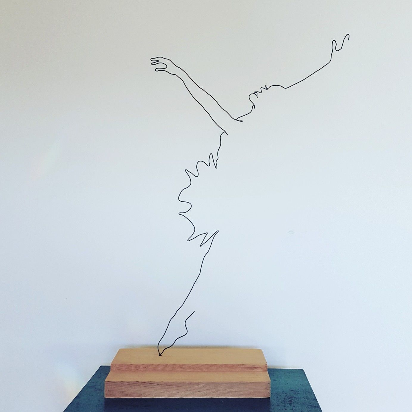 Balance Wire Sculpture By Artist Felicity Cavanough A Drawing Of A Ballet Dancer Arabesque Ballet Dancer Leapin Wire Art Sculpture Wire Art Wire Sculpture