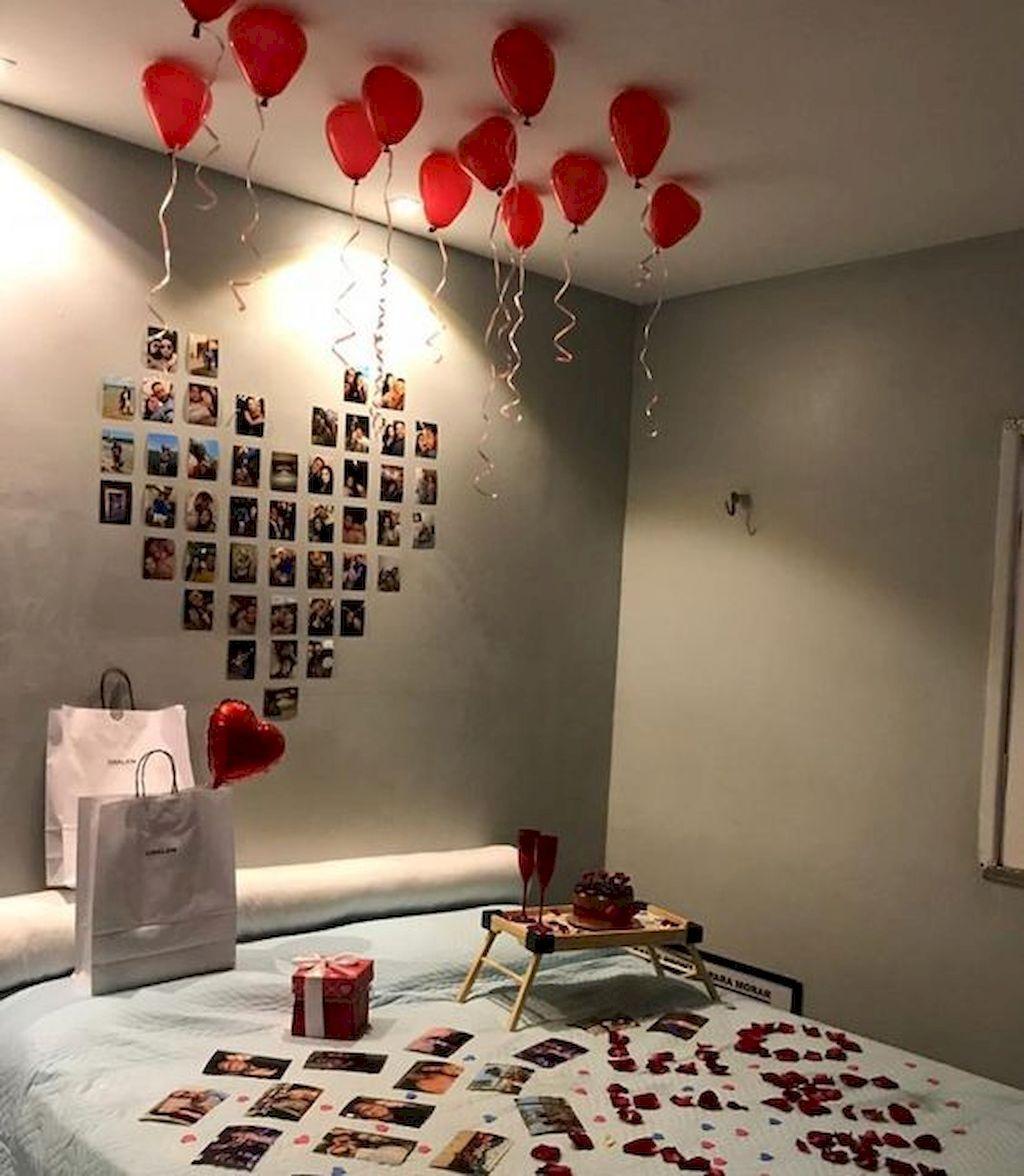 45 Romantic Bedroom Decorations Ideas For Valentine S Day 99decor Romantic Bedroom Decor Birthday Gifts For Boyfriend Diy Cute Boyfriend Gifts