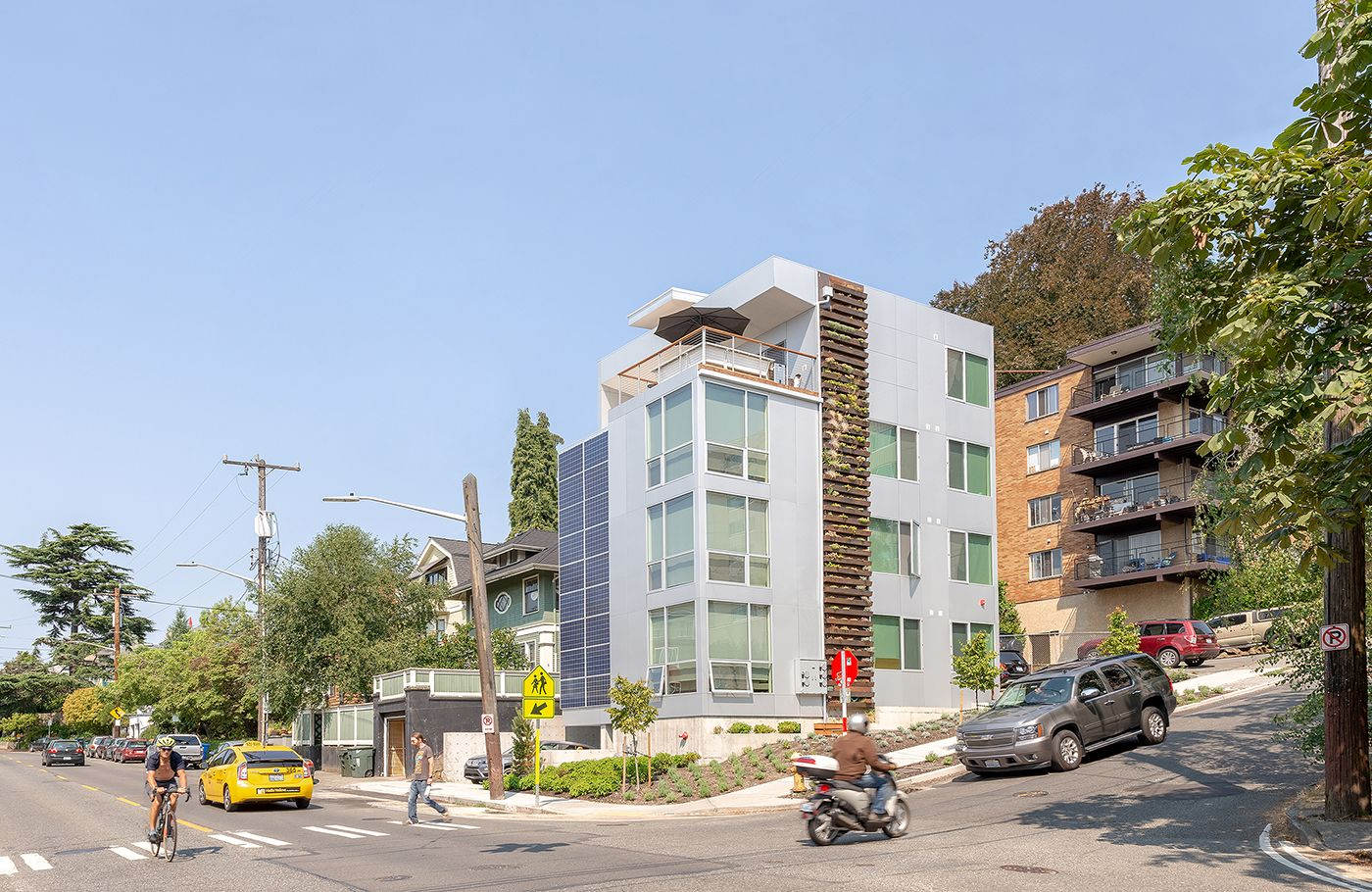 A New Four Story Apartment Building Has Replaced A Single Family House On A Tiny Capitol Hill Lot Just 2 600 Square Architecture Apartment Building Building