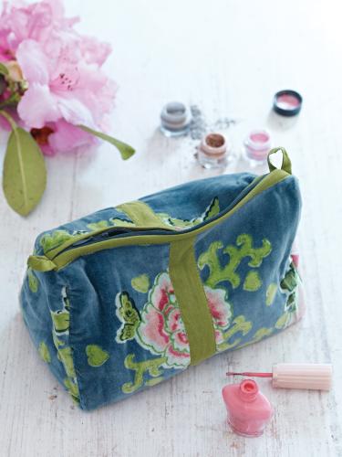 Small Velvet Beauty Bag smokey blue Velvet bag, Beauty bag