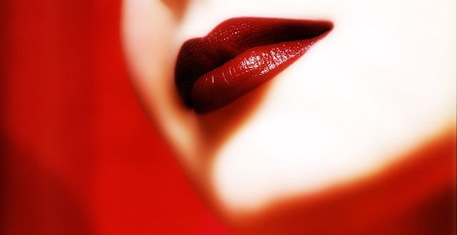 تصغير الشفايف بخلطات ووصفات طبيعية وبالمكياج التخسيس السريع Beauty Lipstick