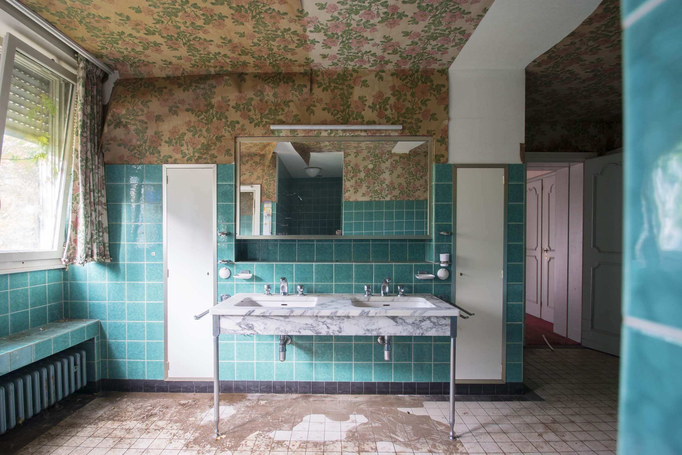 Spots Badezimmer ~ Badezimmer in der villa eines industriellen lost places