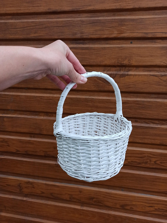 Handwoven round kids wicker basket Wedding basket with handle White girls flower basket Mini wicker basket Gift basket Wedding decor basket