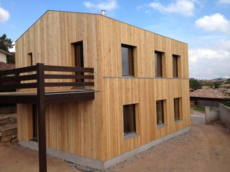 THIS IS STRAWBALE BLDG - COULD BE CLAD IN A DIFFERENT MATERIAL 07 - maison bois et paille