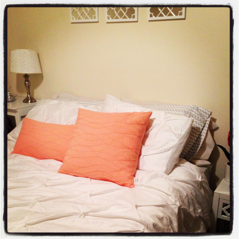 Coral And Gray Bedroom: White Coral Gray Chevron Bedding Bedroom #ChevronBedding