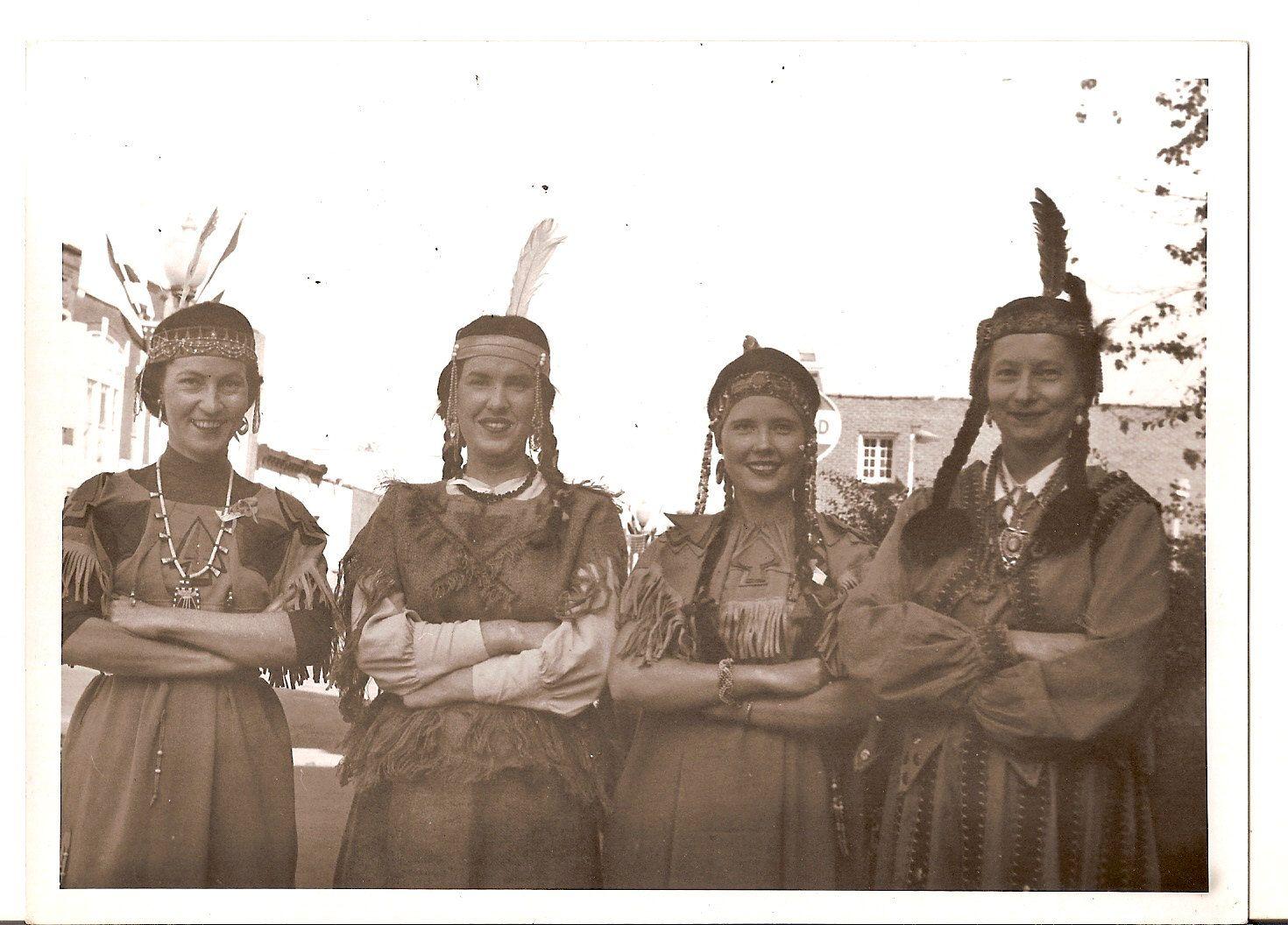 Vintage photo pretty women wear indian costume native american dress
