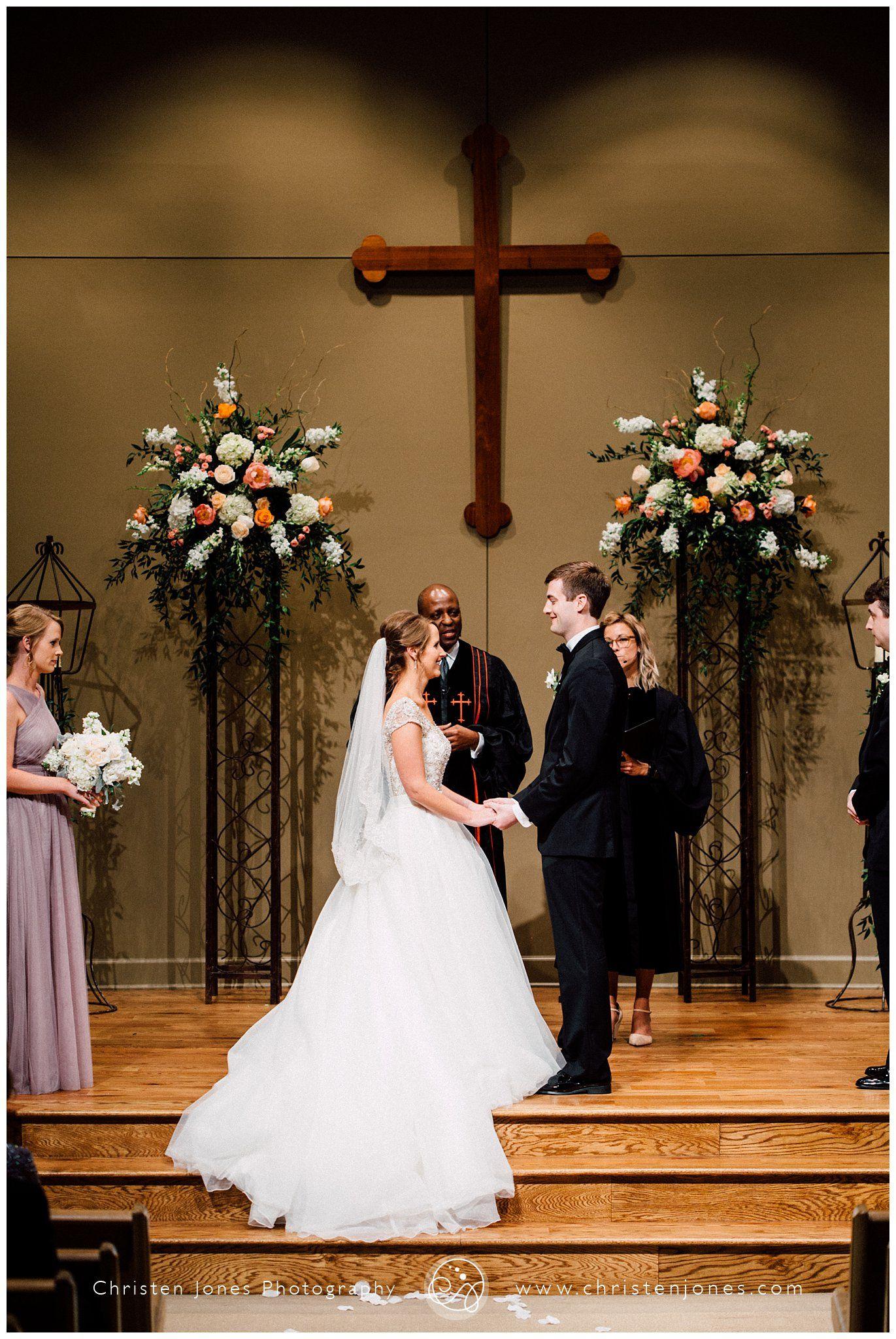 Hope Church Chapel Wedding Ceremony Memphis Flowers L And Jay Productions Vendors Christen Jones Photography