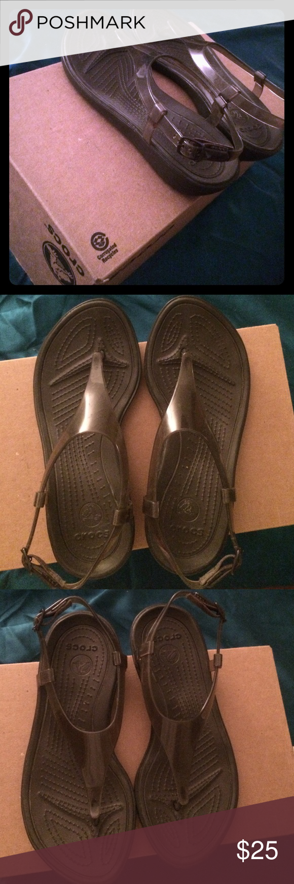 Crocs Sandals Crocs Sandals! Maroon color! Its very comfy and nice:) ❤️❤️❤️ Size 6 worn once CROCS Shoes Sandals