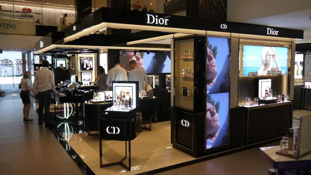 Dior Installs BrightSign Players in 13 Counters Around the
