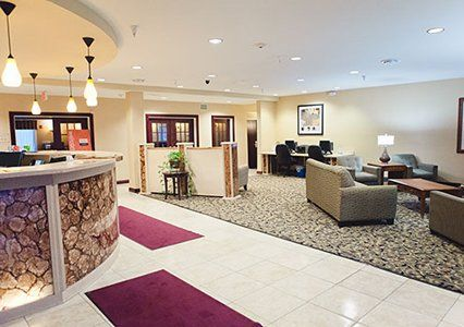 Comfort Suites Has Two Locations In Bloomington Normal Maple Hill Road In Bloomington And Greenbriar Drive In Normal Bloomington Suites Bloomington Illinois