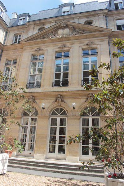 H U00f4tel De La Guiche  1711  15 Rue Du Regard  112 Rue De